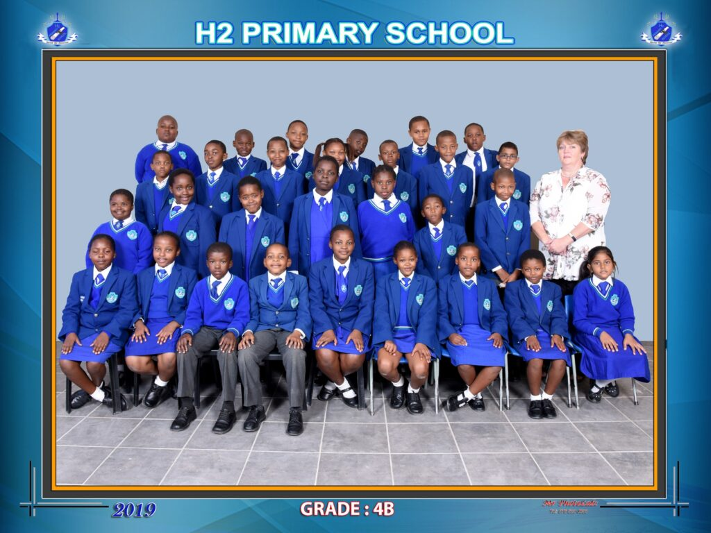Class Photo Grade 4B 2019