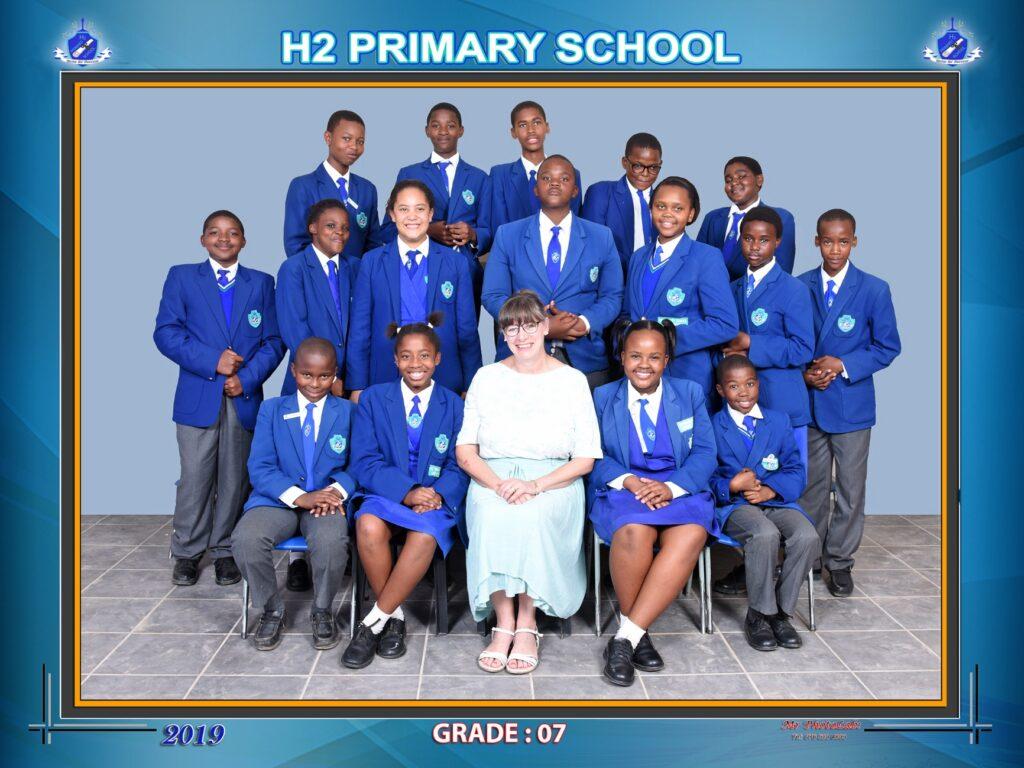 Class Photo Grade 7 2019